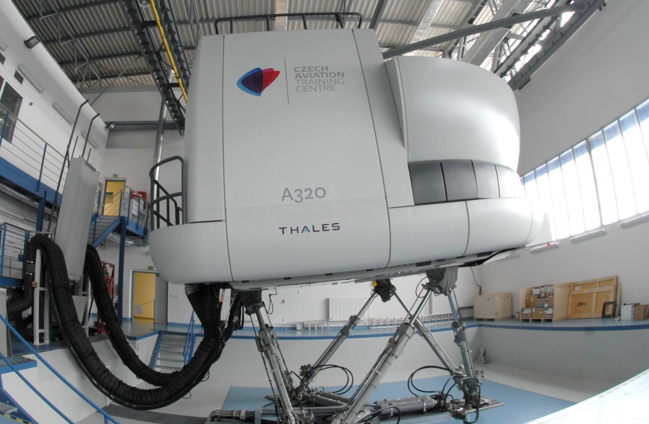 Airbus A320 Full Flight Simulator | Czech Aviation Training Centre